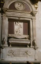 La tomba di Ugo di toscana scolpita da Mino da Fiesole
